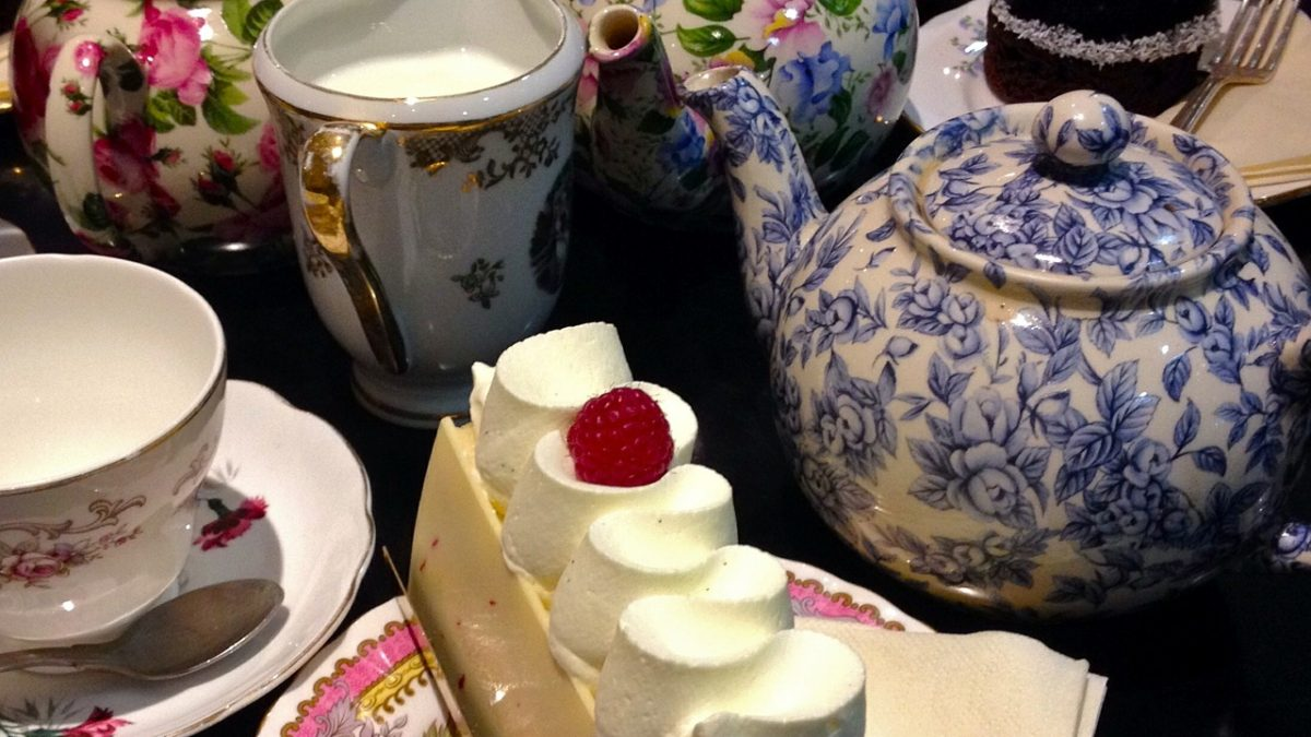 Afternoon Cream Tea in North Wales | Sirior Bach Caravan Park